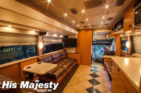 Band Bus Lounge