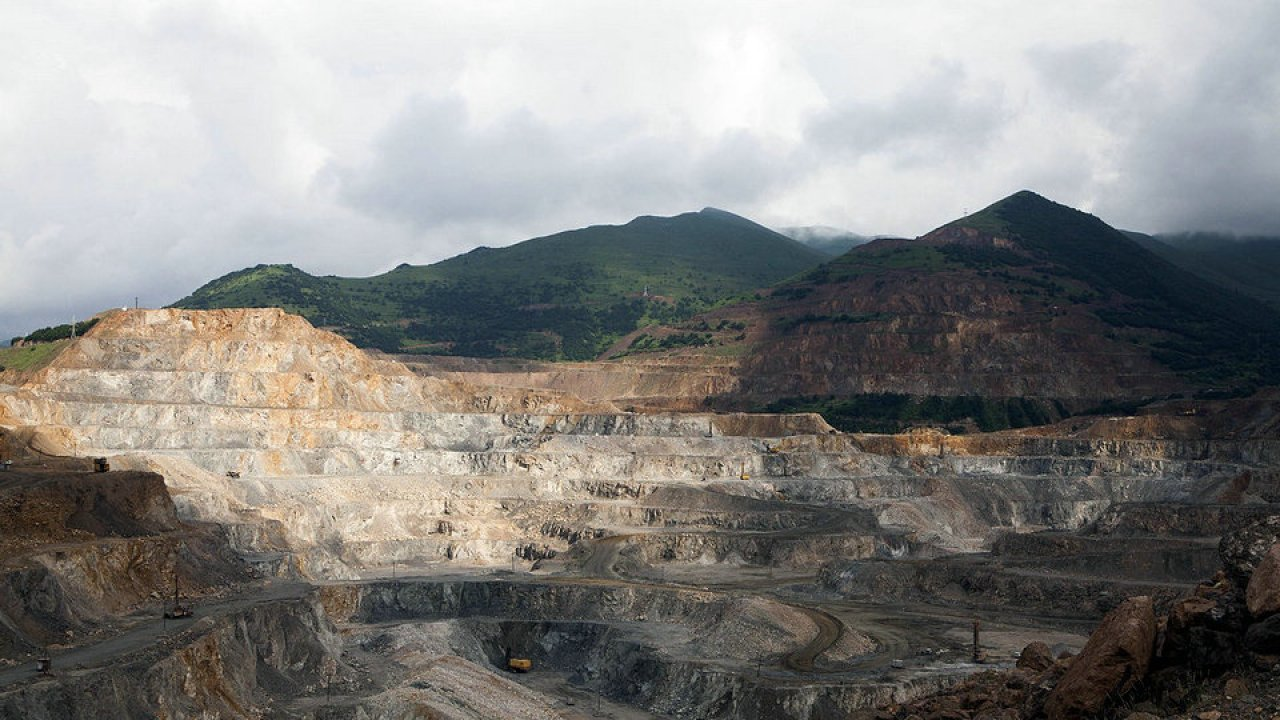 Mineralindustrie Von Armenien Hisour Kunst Kultur Ausstellung