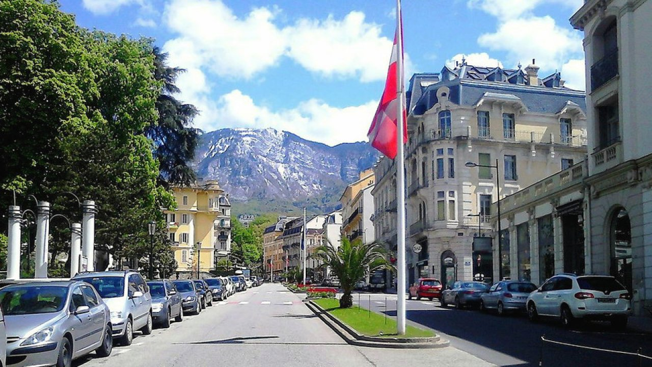 Aix Les Bains Travel Guide Savoy France Hisour Hi So You Are
