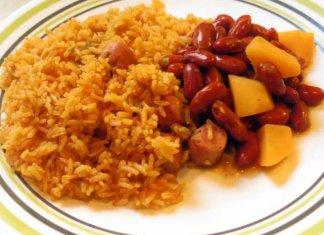 Puerto Rican Chicken Recipe with Salchichas