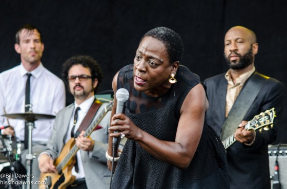 SharonJones&TheDapKings-9