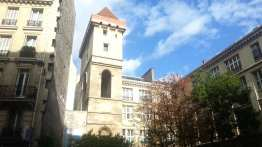 Vue de la Tour Jean sans peur à partir de la rue Etienne Marcel