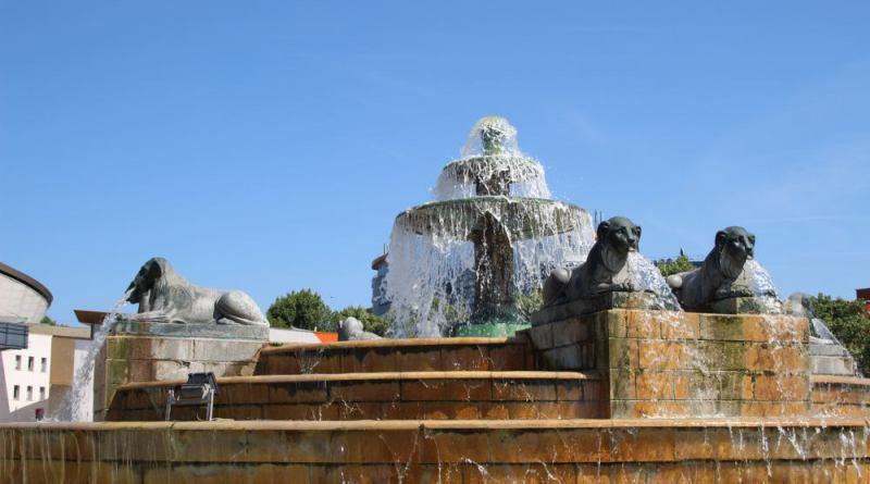 Fontaine du Chateau d'eau des lions de Nubie