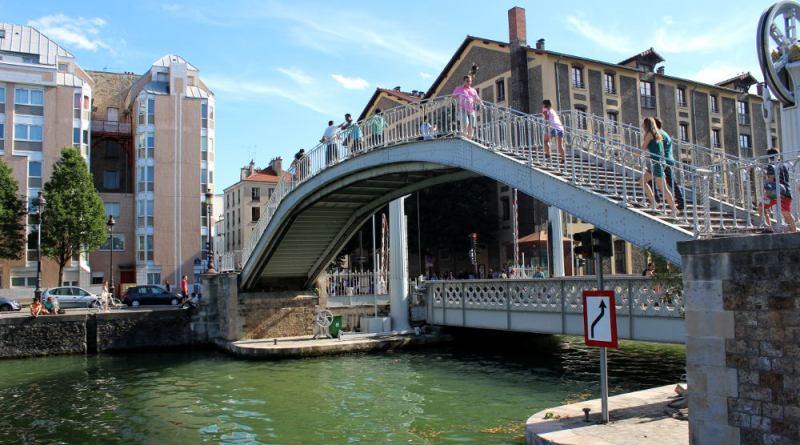 pont levant de Flandres sur le canal de l'Ourcq