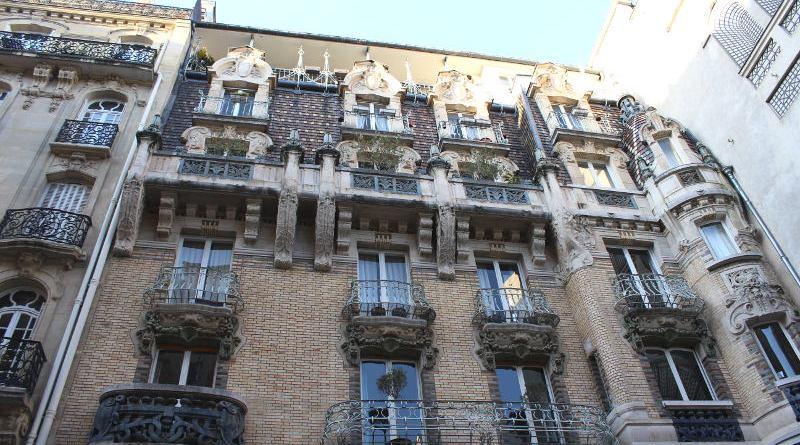 Immeuble du 3 square Rapp par Jules Lavirotte