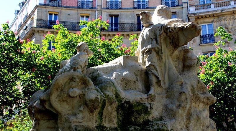 Statue de Léon Serpollet place Saint Ferdinand des Ternes