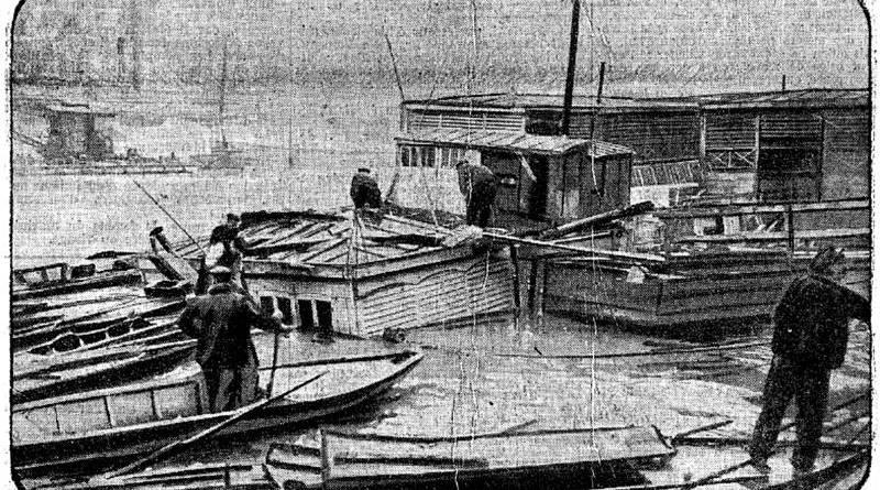 le bateau lavoir le progrès coulé quai Bourbon