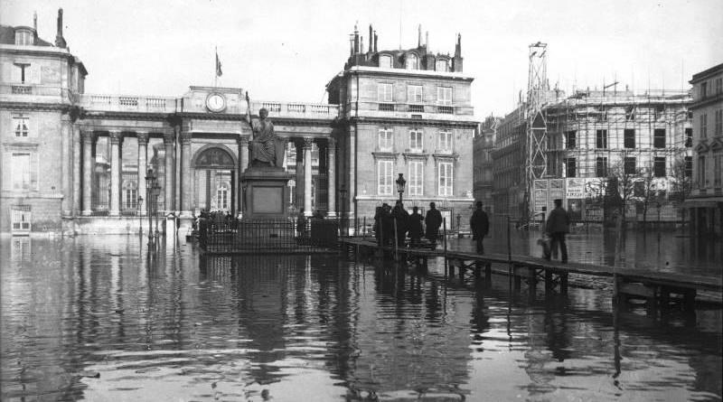 Inondation devant le Palais Bourbon le 29 janvier 1910