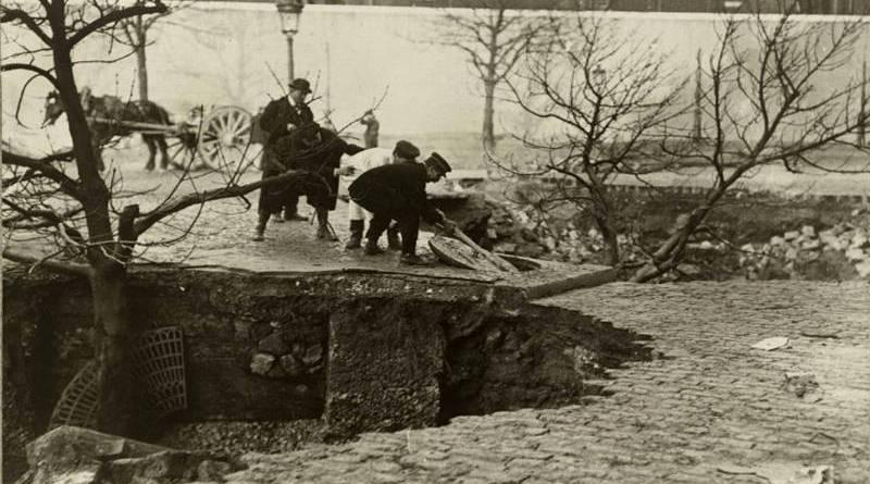 effondrement sur le boulevard de Bercy en janvier 1910