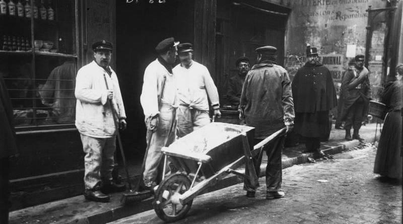 service de désinfectation rue de Bièvre en janvier 1910
