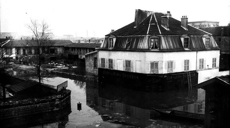 Rue Leblanc inondée en 1910