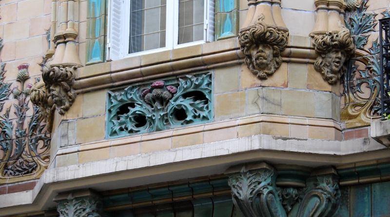 les mascarons de l'immeuble Art Nouveau