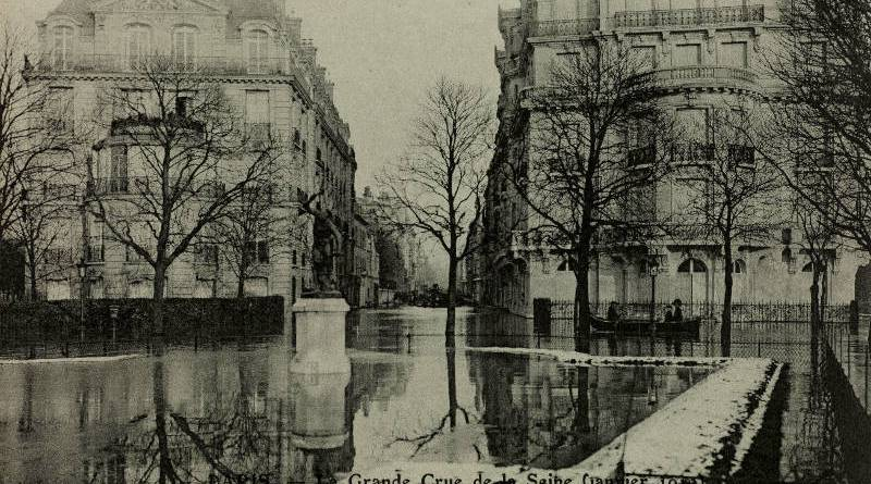 Inondation du square et de la rue Jean Goujon par les Frères Neurdein - BHdV