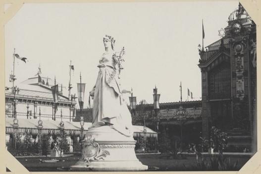 Statue de la république de 1889 photographie par Hippolyte Blancard