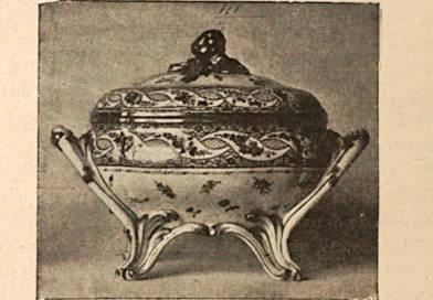 porcelaine de Sèvres à décor polychrome et or de 1773 extrait de l'histoire de la céramique de Guignet