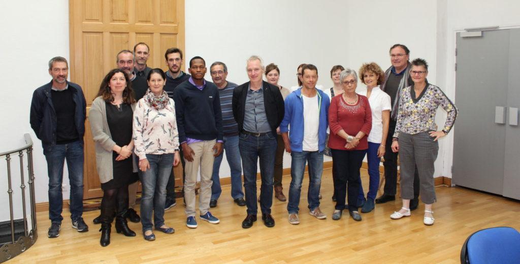 Les représentants de la région Centre-Val de Loire et les partenaires du projet autour du Service Civique International