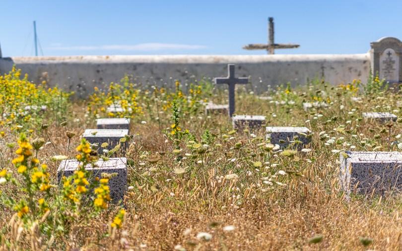 Les cimetières des Lavezzi sont chargés d'histoire