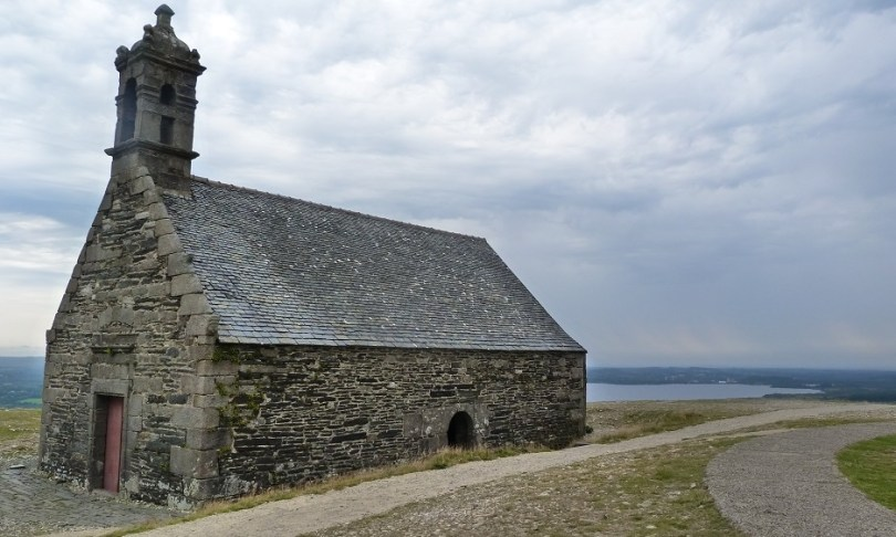 Monts arree chapelle saint michel menez kronan