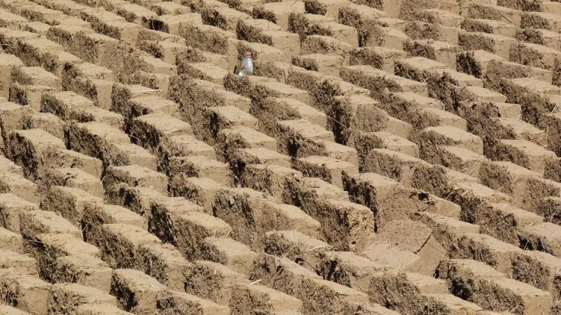 briques boue sechage