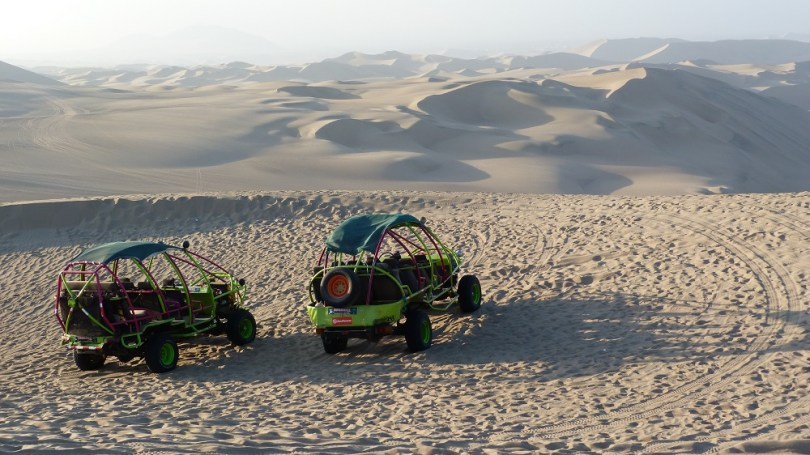 Buggys huacachina desert sable