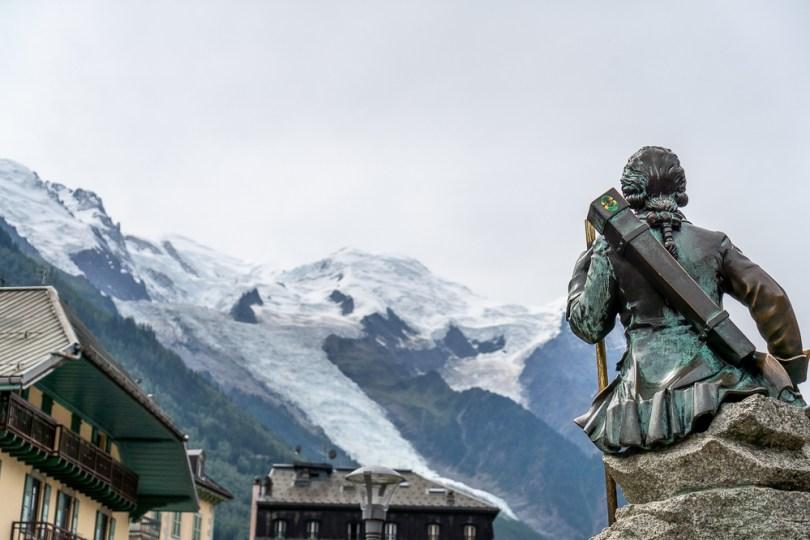 chamonix statue mont-blanc