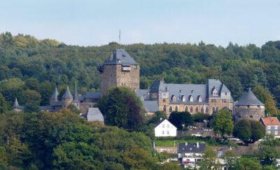 Von Morty - File:Schloss Burg