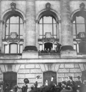 Scheidemann ruft Republik aus