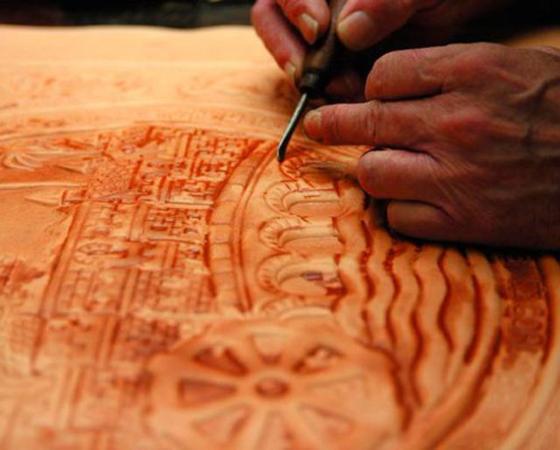 Técnicas artísticas: a arte do couro