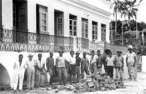 Reforma da sede da Appal, presidida pela professora Nadir Barbosa, em 1966 com a participação de presos