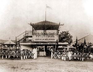 Praça Santo Antônio em 1906, recebendo um festa do Major Bonifácio