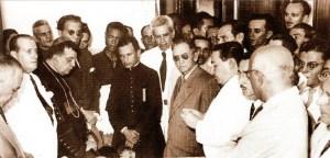 Solenidade oficial com o arcebispo Dom Ranulfo de Farias e o governador Silvestre Péricles