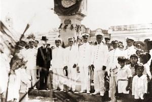 Inauguração do busto de Bráulio na Praça conhecida por Praça do Montepio dos Artistas, dia 16 de setembro de 1917, em comemoração do Centenário da Emancipação. Acervo Homero Cavalcante