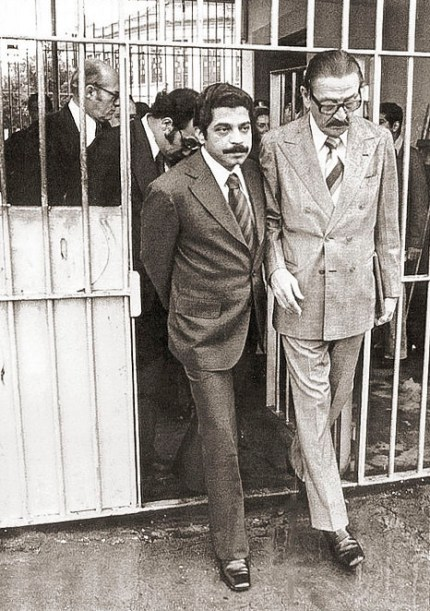 O deputado Macelo Cerqueira MDB-RJ) e o senador Teotônio Vilela saindo de visita a uma prisão no Rio de Janeiro em 1979