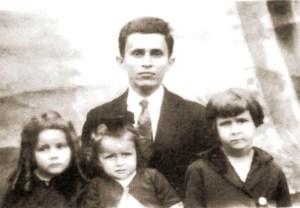 Octávio Brandão com as filhas