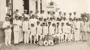Banda de música masculina da Companhia Alagoana de Fiação e Tecidos, regida pelo maestro Agerico Lins, no 1º de maio de 1927. Arquivo Floriano Queiroz