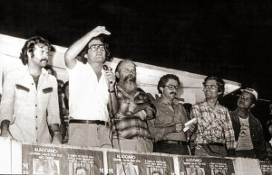 Mendonça Neto na campanha de 1978. Comício em Capela