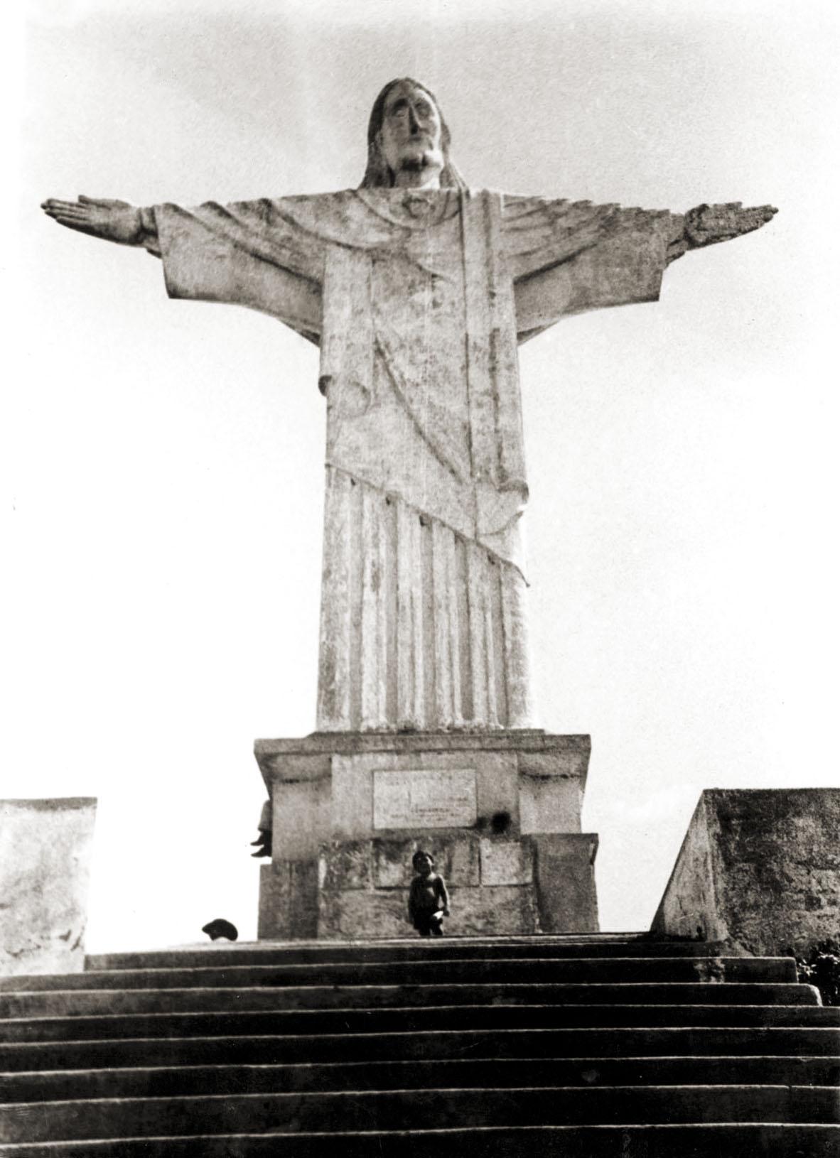 f50d554fcdf (fonte  https   culturaeviagem.wordpress.com 2013 07 19 cristo-redentor -pao-de-acucar-niteroi-e-praia-de-ipanema-tudo-isto-no-sertao-de-alagoas )