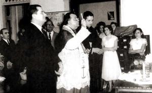 D.Ranulfo, arcebispo de Maceió, e o governador Arnon de Melo, na solenidade de inauguração da Escola de Auxiliares de Enfermagem