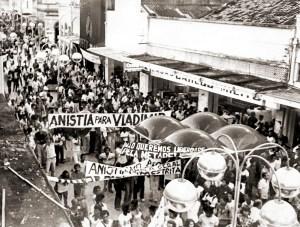 Passeata pela Anistia no Centro de Maceió, no dia 8 de agosto de 1979