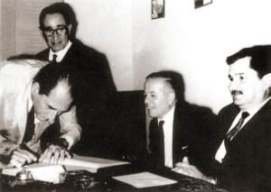 Manuel Valente assume a Procuradoria do Estado, assistido por Herbert Costa, Olavo Cahet e o governador Lamenha Filho