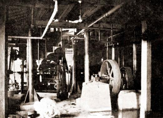 Interior da Usina Esperança em 1920