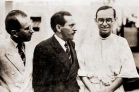 Dr. Ezechias da Rocha, chefe da Clínica da Santa Casa, jornalista Melchiades da Rocha e Dr. Lages Filho, em 1938, na exumação das cabeças dos cangaceiros