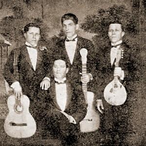 Turunas da Mauricéia, com João Frazão (diretor e violão), o alagoano e cego Manoel de Lima (violão), os irmãos Romualdo (violão) e João Miranda (cavaquinho), e Luperce Miranda (bandolim).
