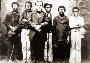 Senhor com seus escravos. Foto de Militão Augusto de Azevedo