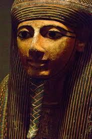 Estatua que representaría a Ramsés XI, último rey de la dinastía XX y del Reino Nuevo egipcio