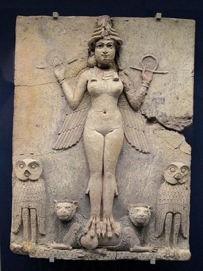 Altorrelieve en el que se representa a la diosa Ishtar de la religión en Mesopotamia