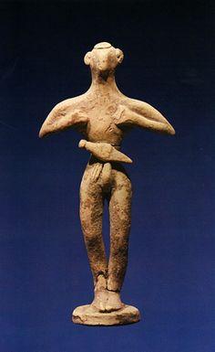 Estatuilla antropomorfa minoica, del 1800 a.C. aproximadamente
