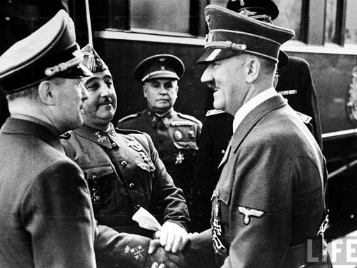Francisco Franco y Adolf Hitler en Hendaya, uno de los acontecimientos clave de la primera política exterior franquista