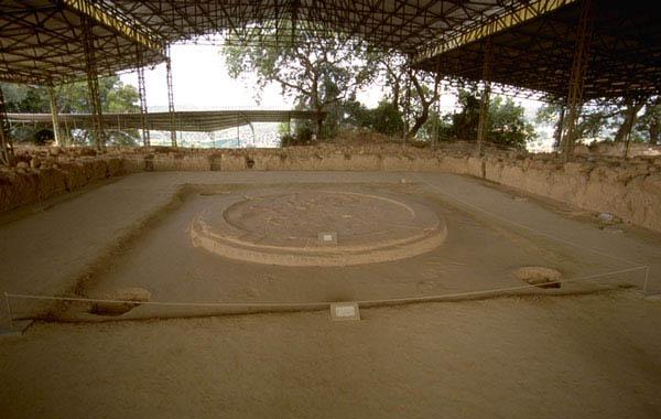 Parte del megaron micénico del palacio de Pilos, donde se encontraron tablillas para conocer la religión micénica