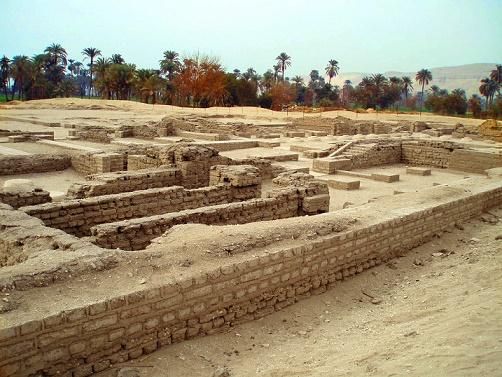 Parte del yacimiento arqueológico de Tell-el-Amarna, centro del periodo de Amarna